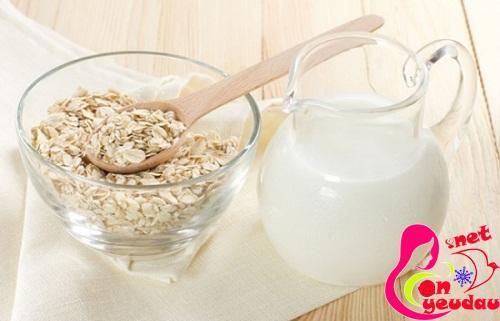 Mặt nạ tự nhiên với công thức từ sữa chua + bột yến mạch