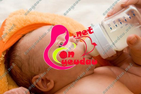 Lời khuyên cho mẹ khi lựa chọn sữa công thức cho trẻ
