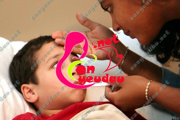 Sốt siêu vi ở trẻ- dấu hiệu và cách xử lý
