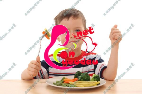 Dạy con xây dựng thói quen ăn uống lành mạnh ngay từ nhỏ