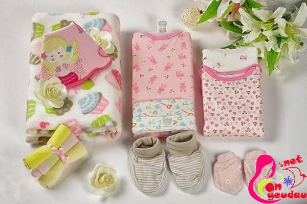 Chuẩn bị đồ dùng cần thiết cho mẹ và bé khi đi sinh