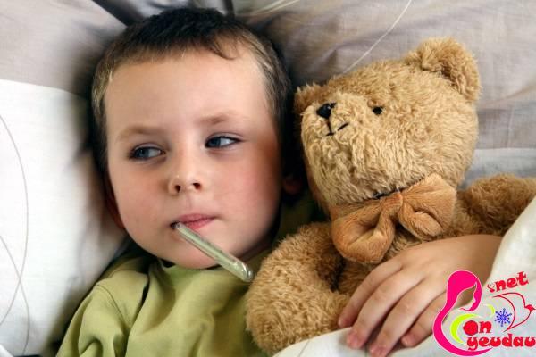 Mẹo hay giúp mẹ xử lý tình trạng sốt khi trẻ mọc răng