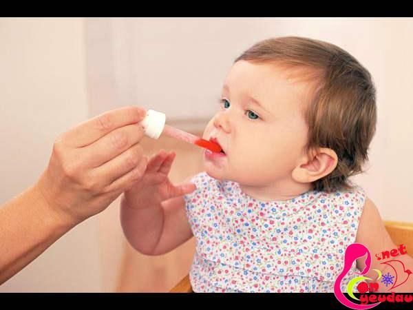 Những điều cần biết khi chăm sóc trẻ mọc răng