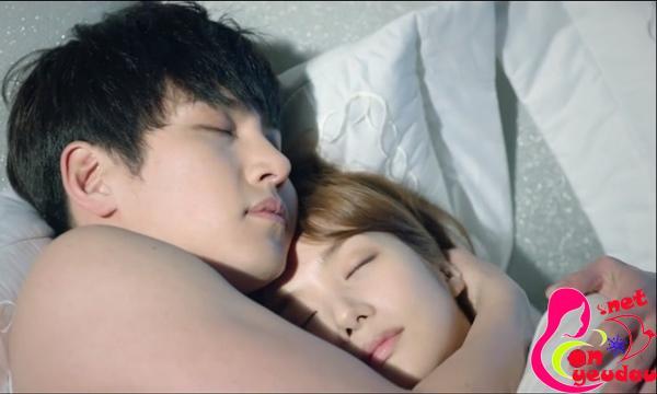 Bật mí những thói quen khi ngủ của người chồng yêu vợ