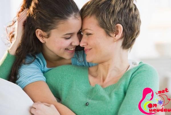 Giúp mẹ dạy con gái tuổi mới lớn hiệu quả