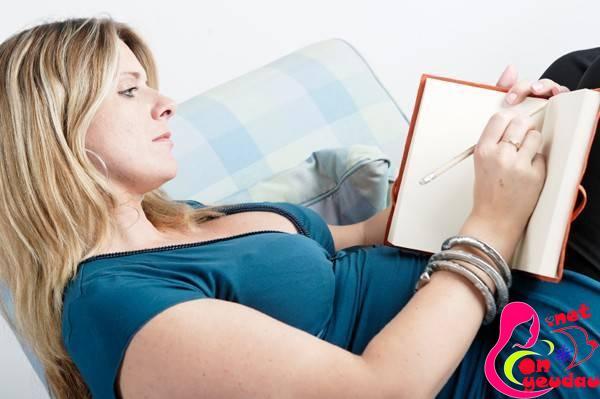 Lợi ích bất ngờ từ việc viết nhật ký mang thai ở mẹ bầu