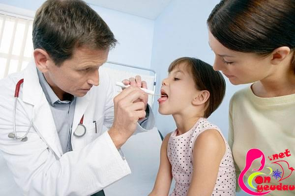 Những điều cần lưu ý khi trẻ bị viêm amidan