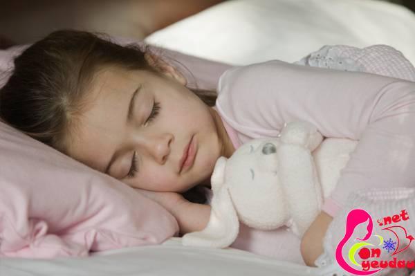Những tác hại khôn lường không ngờ khi cho trẻ ngủ trễ