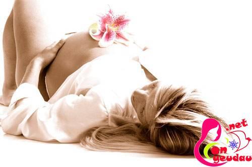 Tác hại của việc sử dụng nước hoa khi mang thai