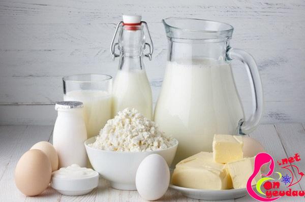các sản phẩm từ động vật giúp tăng nội tiết tố nữ giúp phòng tránh vô sinh